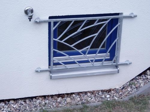 fenstergitter nach ma einbruchschutz vom schlosser mach 39 s sicher sicherheit und. Black Bedroom Furniture Sets. Home Design Ideas