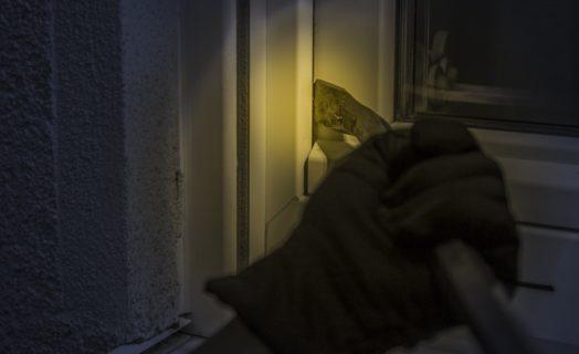 Einbruch Durch Ein Fenster